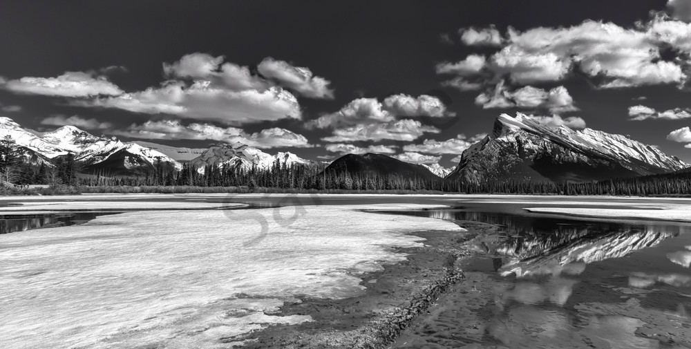 Spring Fever in the Canadian Rockies, open water and receding snow. Banff national Park|Canadian Rockies|