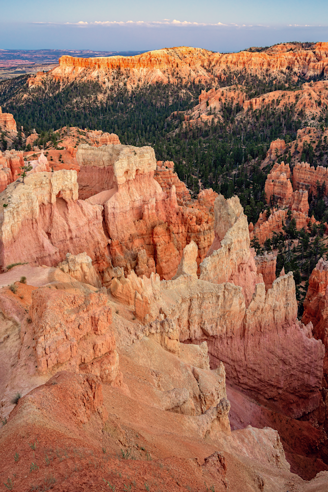 crimson-colored hoodoos, Bryce Canyon, Utah, spire-shaped rock formations,spectacular geological formations, brilliant colors