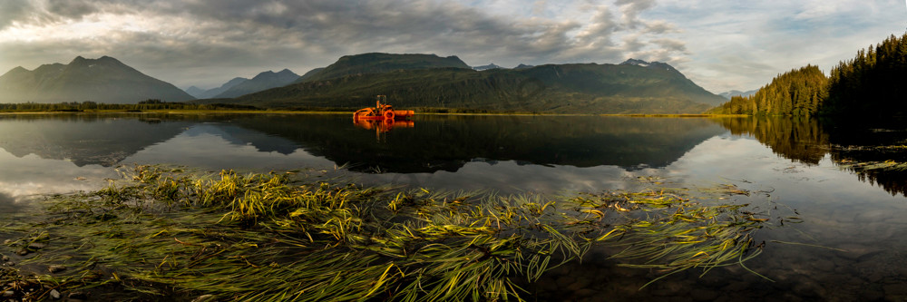 "Orange ""monster"" in Alaskan Lake"