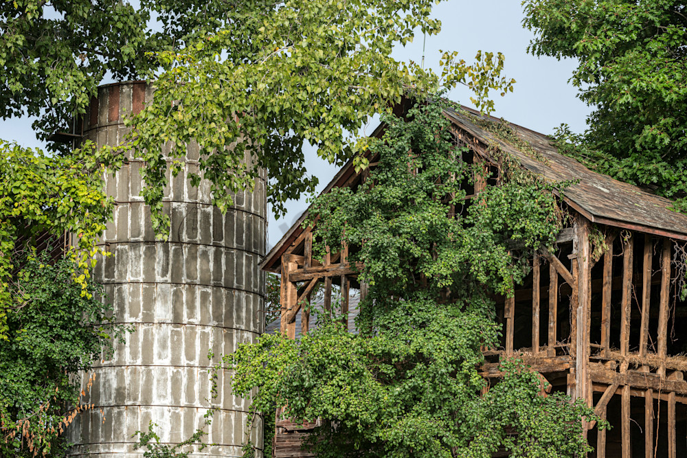 Old silo and barn no longer usefull.
