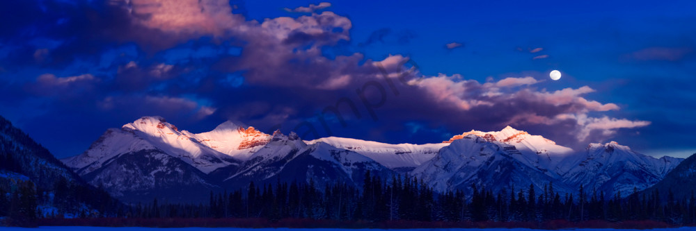 The Fairholme Range in Banff National Park. Canadian Rockies|Rocky Mountains|Banff|