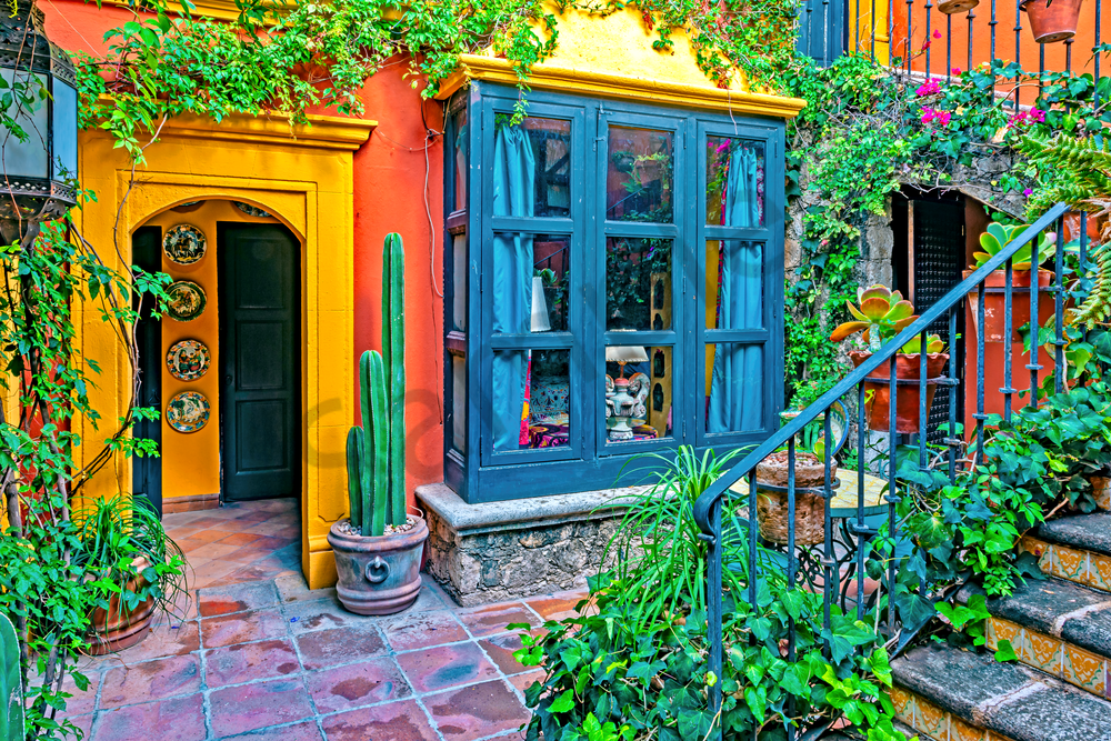 Small  And Bright Courtyard  Photography Art | Images by Louis Cantillo