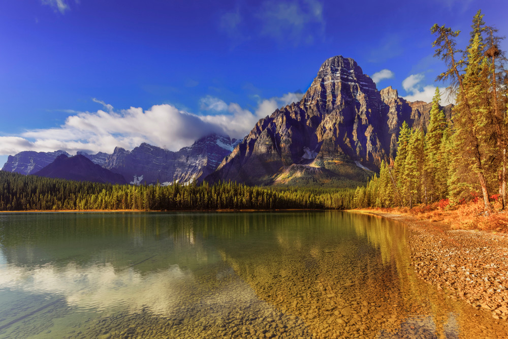 Mt. Chephren and Waterfowl Lake in Banff National Park. | Canadian Rockies|Rocky Mountains|