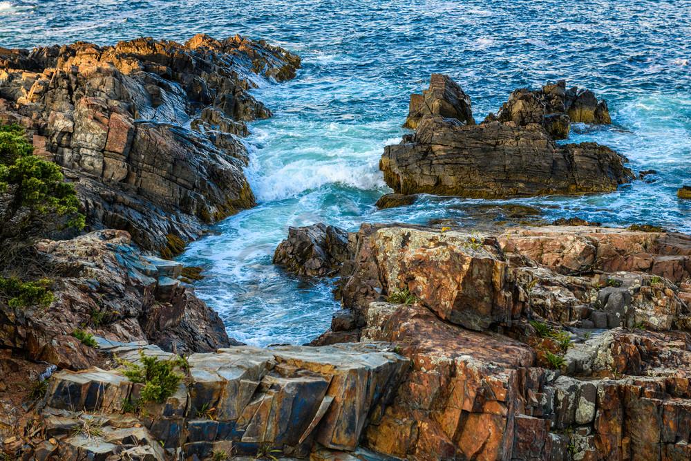 Colorful coastal shoreline in Maine