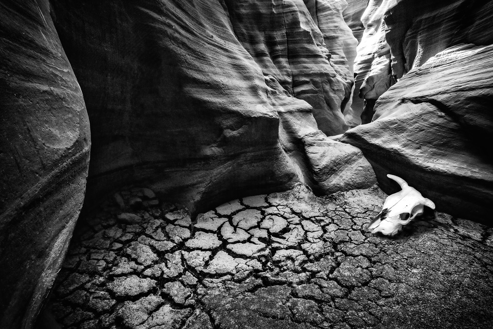 Black and White photography, art photographs of canyons and caves, slot canyon and Antelope Canyon photography,