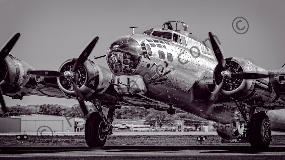 B-17 Aluminum Overcast WW2 Flying Fortress Restored fleblanc