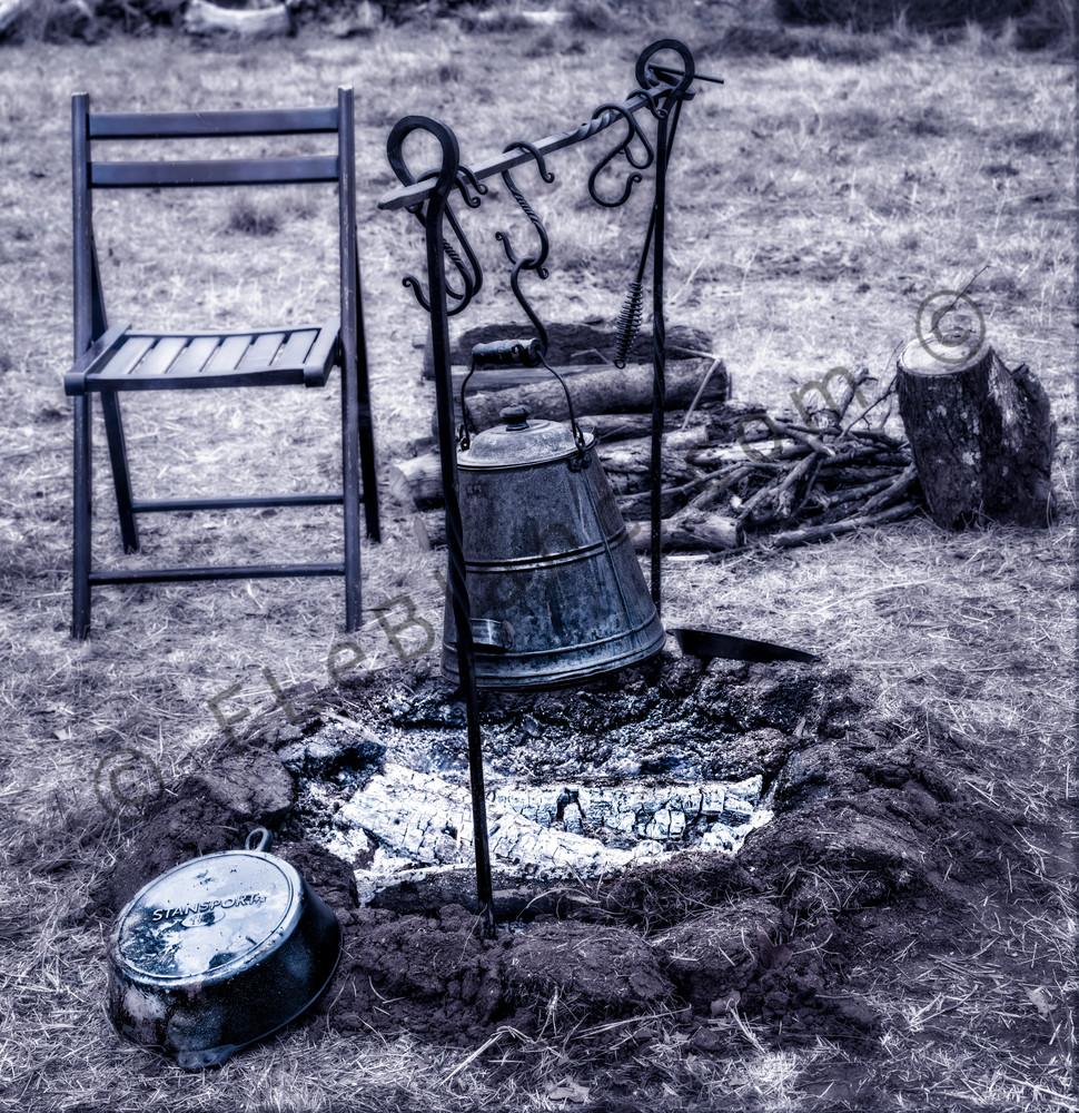 Civil War Encampment Fire Black+White  Realistic Historic fleblanc