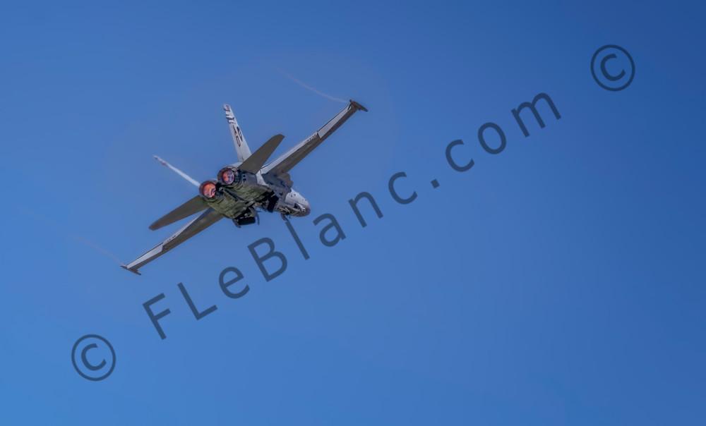 Modern Military Boeing F/A-18F Super Hornet In The Air  fleblanc