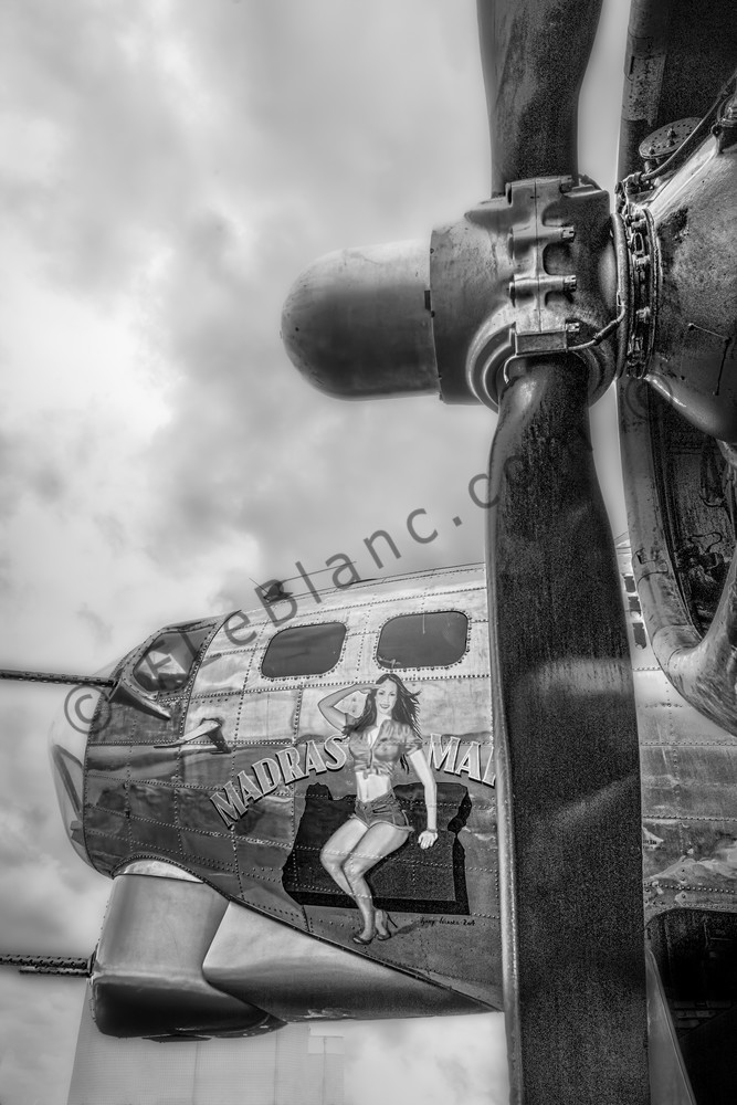 Black and White B-17 Flying Fortress Madras Maiden Old fleblanc