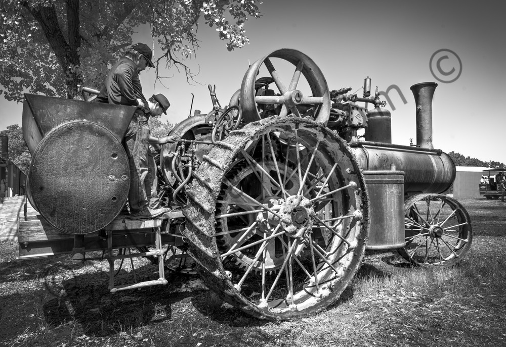 Reeves Steam Tractor Farm Tractor Black & White fleblanc