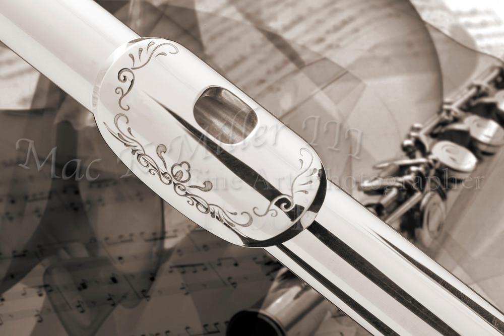 Engraved Flute Lip Plate Wall Art 3442.01