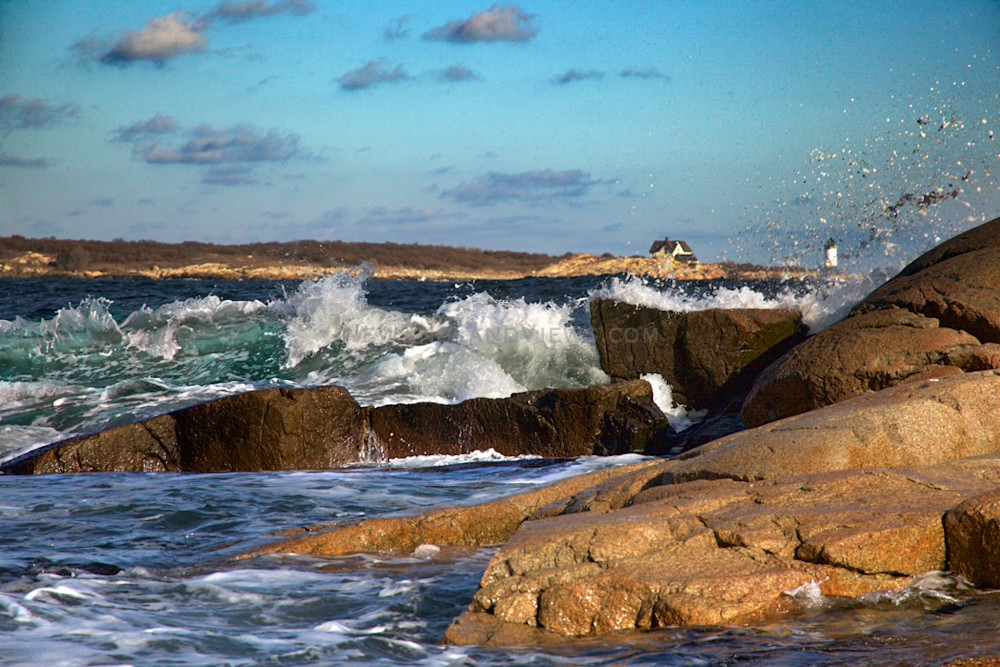 Straitsmouth Lighthouse, Green Wave