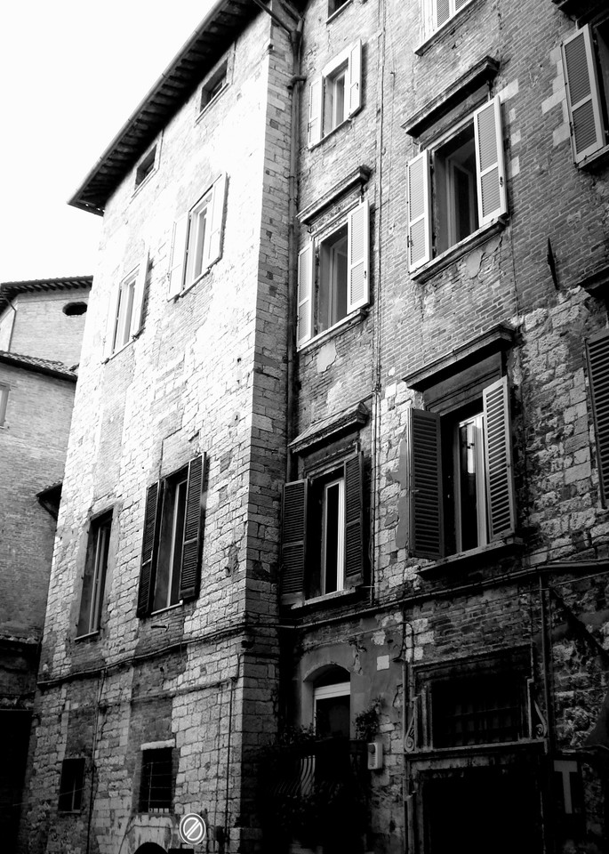 italy cityscape black and white stone Perugia