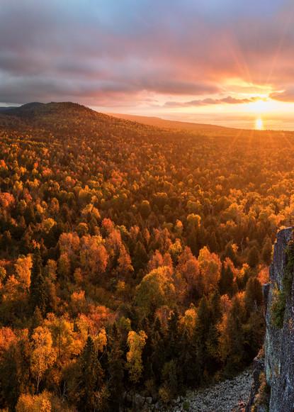 Autumn sunrise from Oberg Mountain