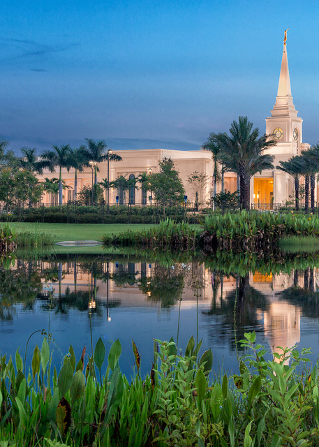 Fort Lauderdale Temple - Evening Stroll