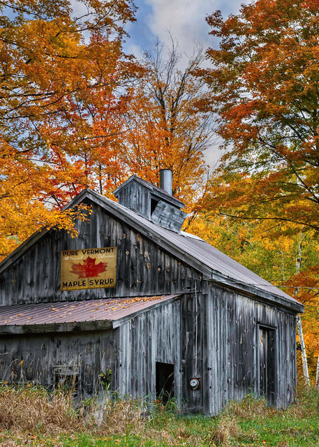 seeking that perfect nostalgia New England scenic landscape print for you homes wall space?
