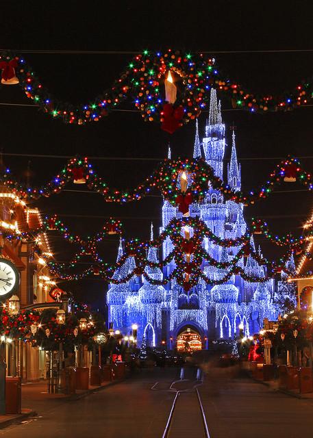 Magic Kingdom at Christmas - Disney Art Gallery | William Drew