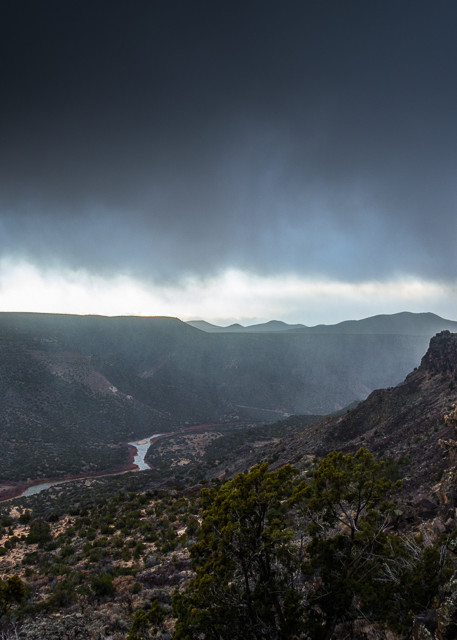 Photography, landscape, white rock canyon, rio grande, new mexico, storm, red dot trail
