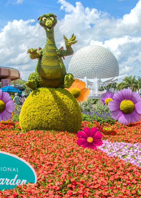 Topiary Figment 2 - Epcot Flower & Garden Photographs