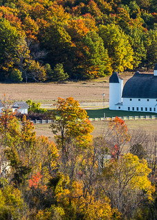 Autumn At The Dh Day Barn Photography Art   Drew Smith Photography, LLC