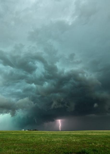 Wall cloud near Byers, Colorado