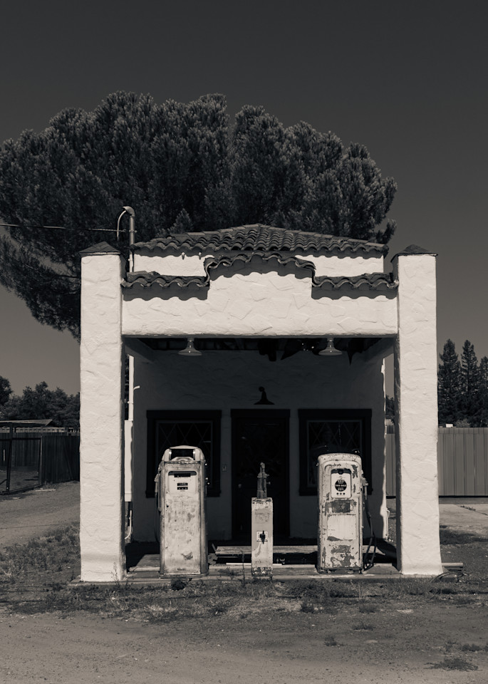 Ancient Service Station Windsor Ca Photography Art | Dan Katz, Inc.