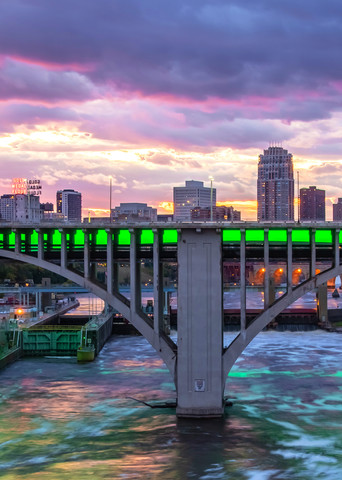 Green Minneapolis Sunset - Photos of Minneapolis Minnesota