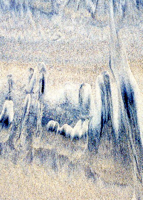 Abstract Sandy Beach Close-up Fine Art Print – Sherry Mills