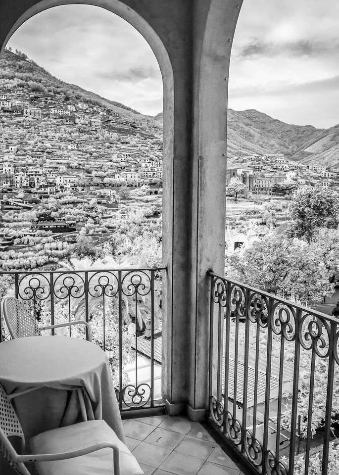 Balcony Italy Photography Art | The World in Black and White