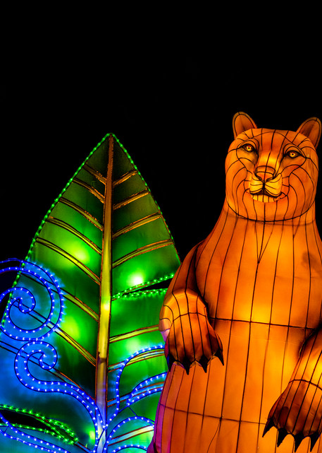 Lantern sculpture of a bear standing upright