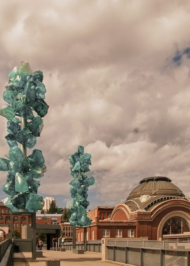 Chihuly's Crystal Towers Art | Light Pixie Studio