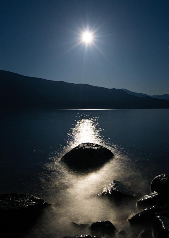 Tom Weager Photography - Pink Supermoon on Kootenay lake