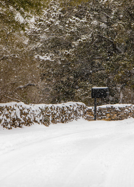 Texas ,snow, storm, snowstorm, white, stone wall, snowflakes
