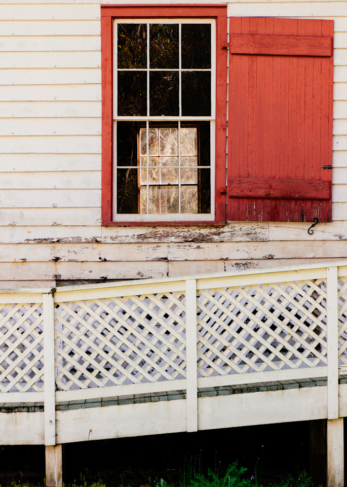 Red Window 2017