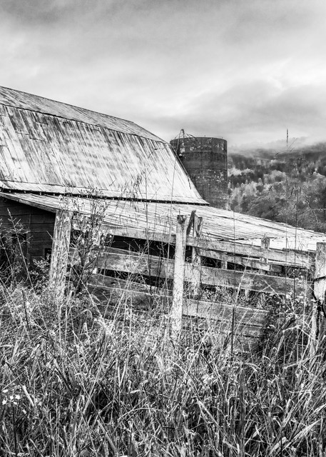 Old Smoky Mountains barn in black-and-white - North Carolina fine-art photography prints