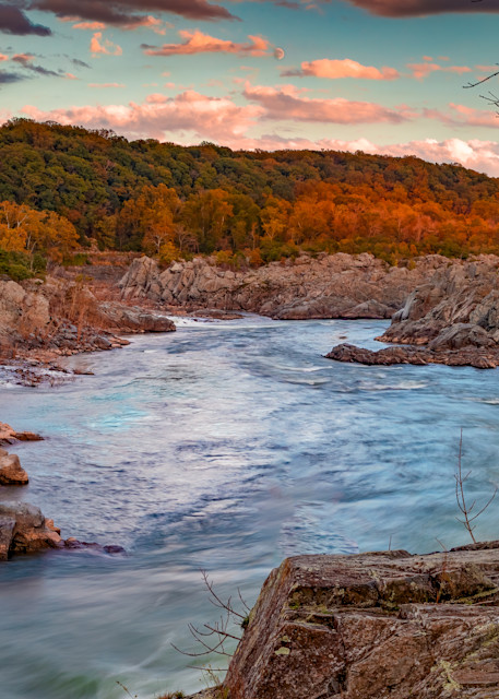 Sunset and Moonrise at Mather's Gorge