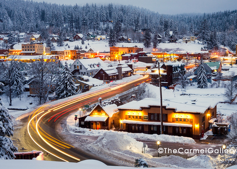 Winter lights downtown truckee in winter at dawn