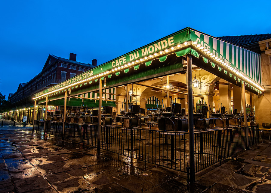Cafe du Monde early morning photography