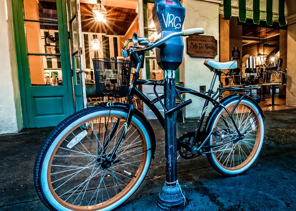 Bike in front of Cafe Du Monde in New Orleans