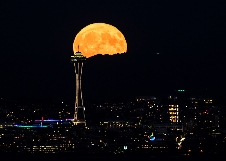 Bainbridge Is. Gigantic (BIG) Full Moon