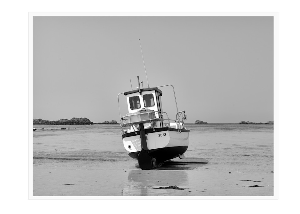 40 Beached Fishing Boat At Perelle Art | Roy Fraser Photographer