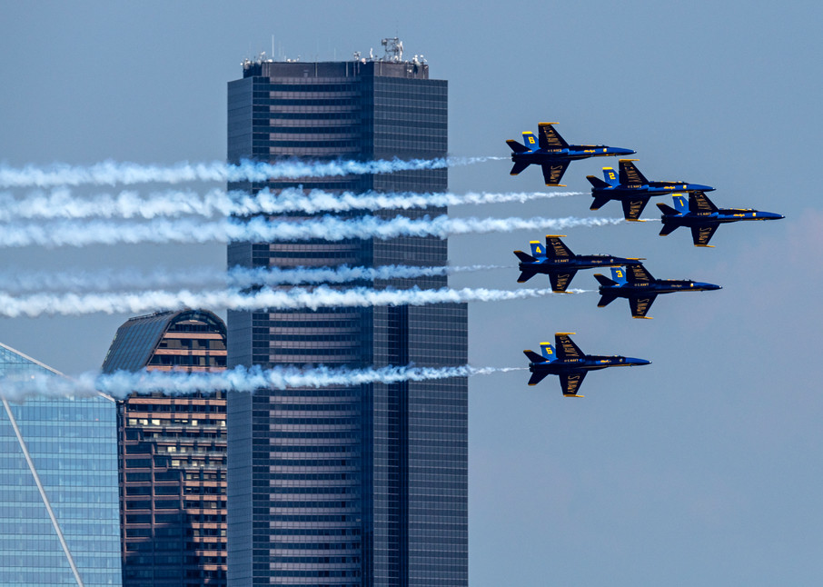 Blue Angels over Seattle with diamond formation