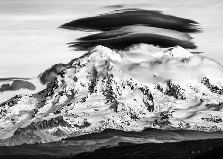Mount Rainier Lenticular cloud by Troy Mason
