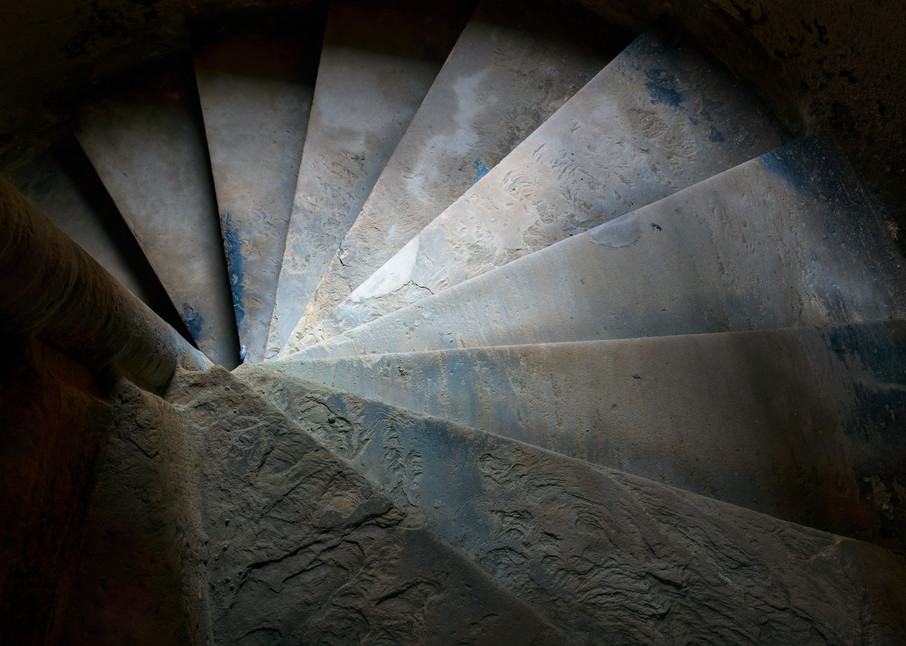 Color photograph of circular steps in tower, Linlithgow Palace Ruins, Linlithgow, Scotland.