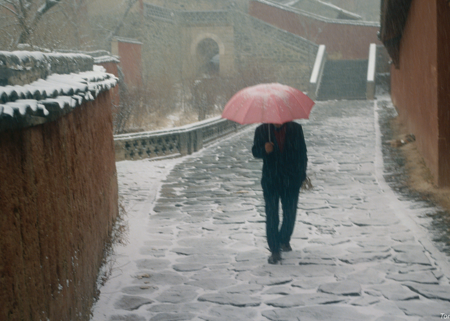 Snowstorm, Wutaishan Temple, China, 1994. Photography Art | Tom Stahl Photography