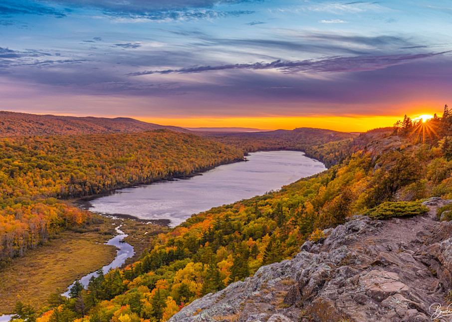 Lake Of The Clouds Sunset Photography Art | brucedanz