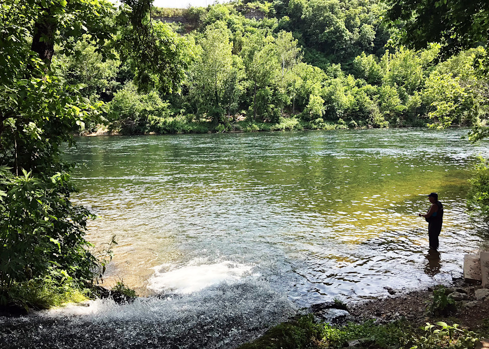 MPhillip-Fishing-Lake-Taneycomo