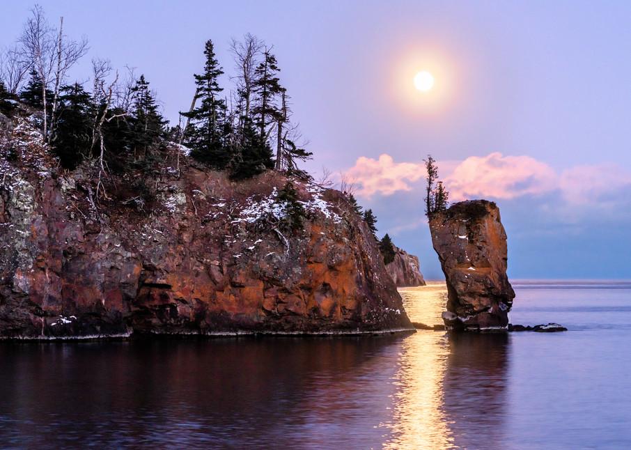 Last Moon on the Rise