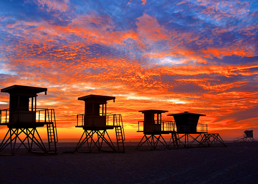 3 Generations Of Lifeguard Stands Art   Shaun McGrath Photography
