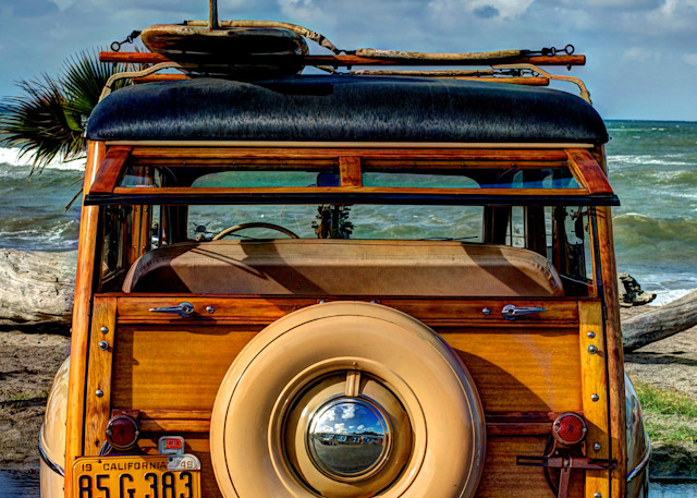 1948 ford woody at car show in southern california